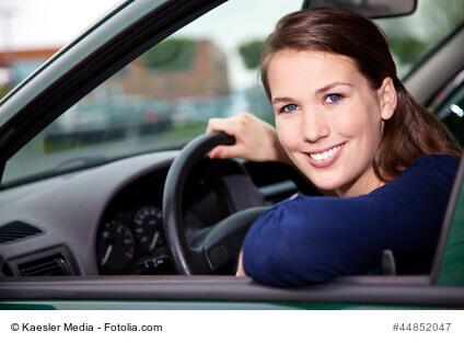 Was ist die Entfernungspauschale und ist die KFZ-Versicherung steuerlich absetzbar?